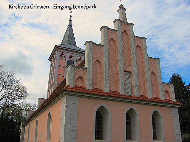 Kirche mit Friedhof von Arnim